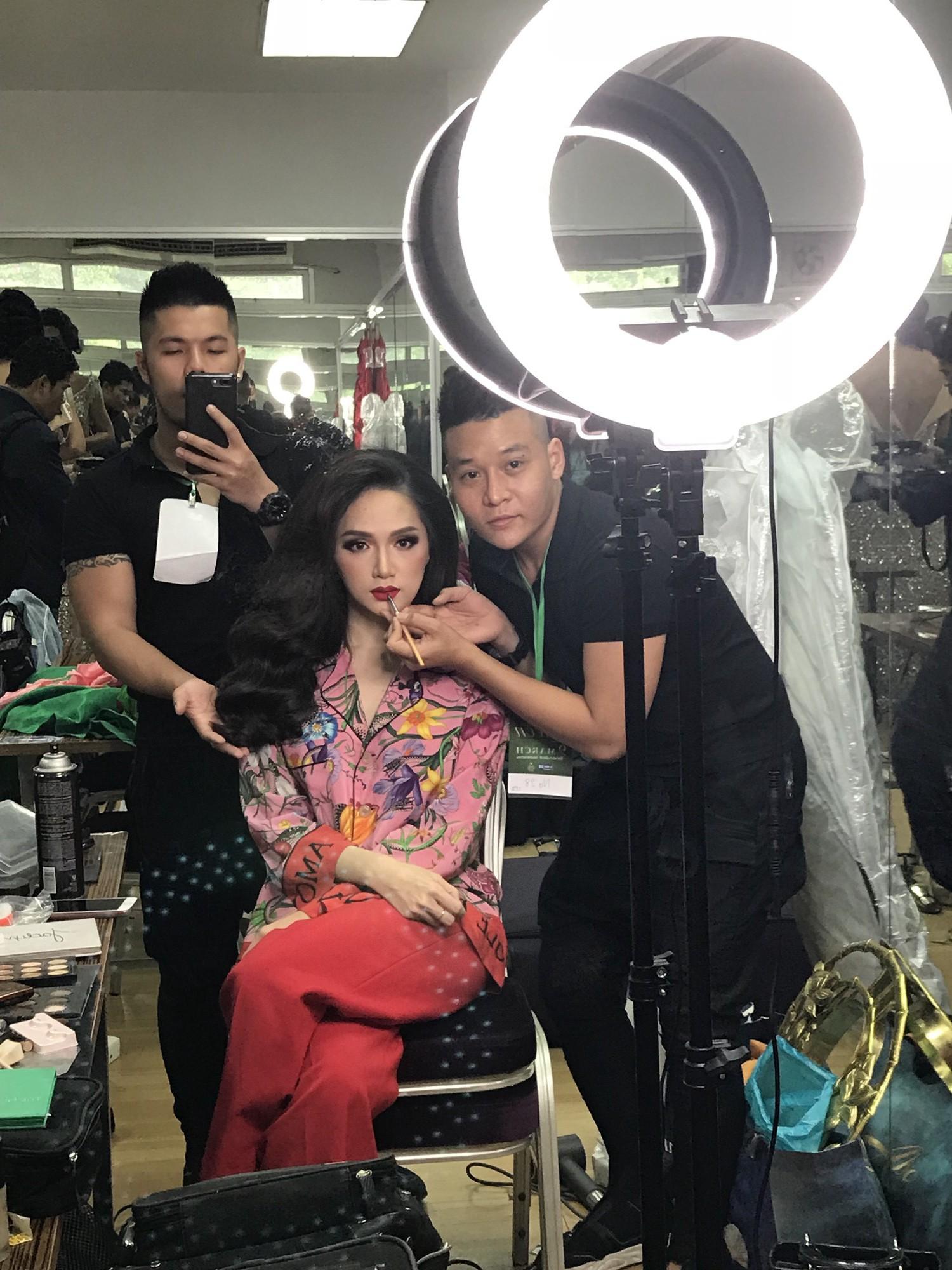 Chỉ dùng son đỏ và son cam mà Hương Giang vẫn cứ tỏa sáng ngời ngời tại Hoa hậu Chuyển giới Quốc tế 2018 - Ảnh 6.