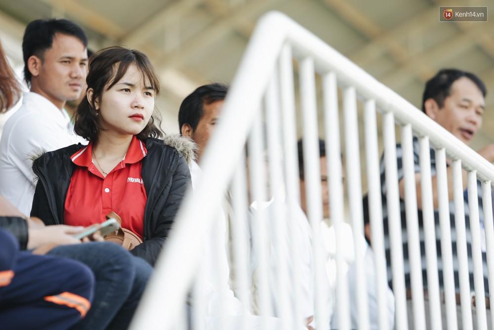 Vỡ sân Pleiku ngày Xuân Trường, Công Phượng khai màn V.League 2018 - Ảnh 6.