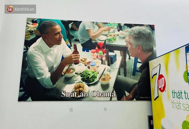 Bún chả Hương Liên gây xôn xao khi lồng kiếng bộ bàn ghế cựu tổng thống Obama từng ngồi, bà chủ nói gì? 1