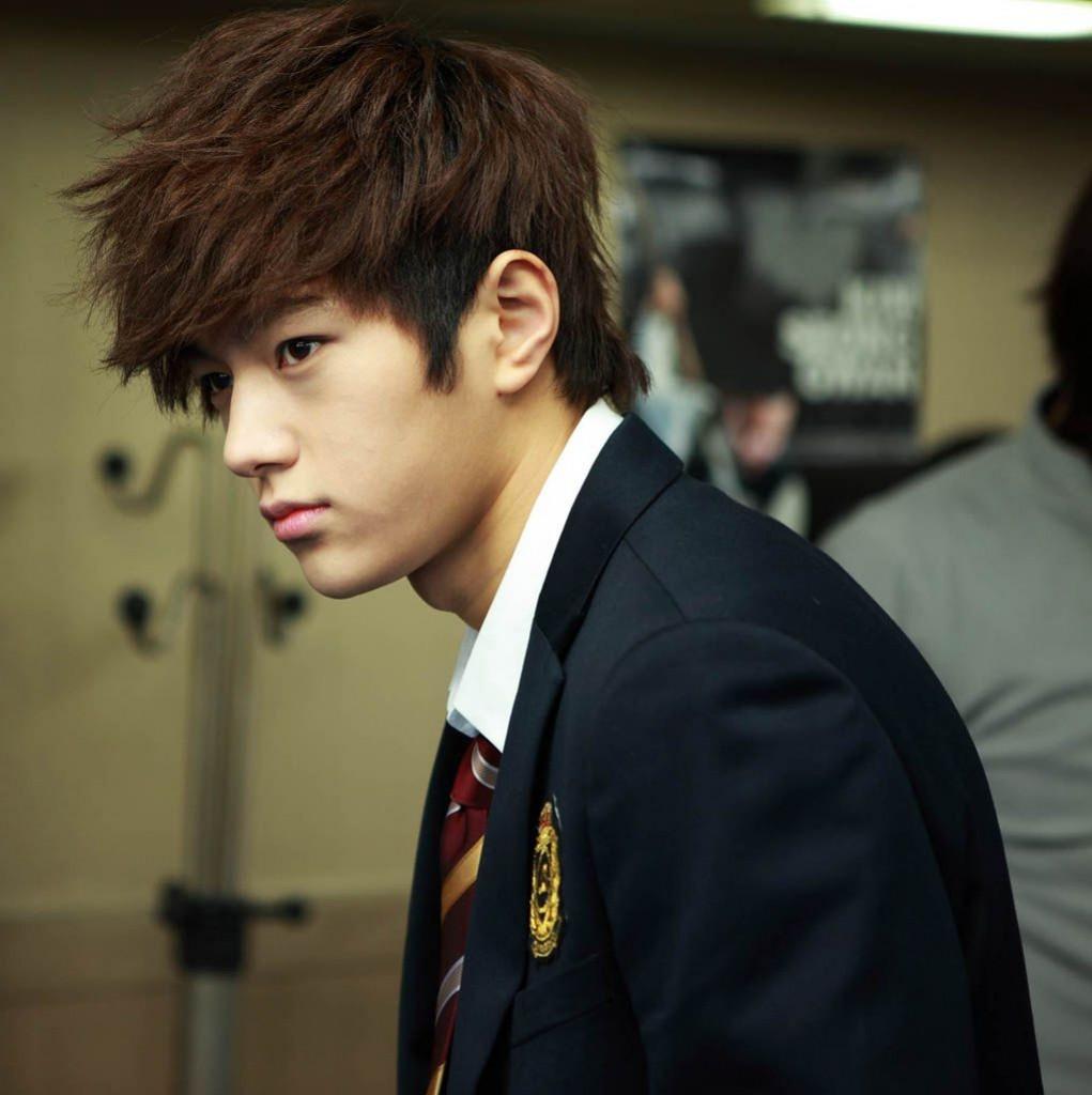 Hội idol Kpop debut để hát nhưng nên... làm nghề khác thì hơn (P.1) - Ảnh 3.