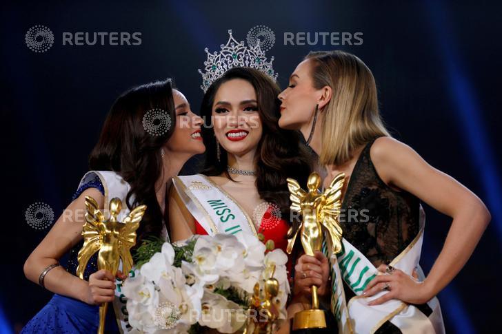 DailyMail, AFP cùng loạt tờ báo lớn nhất thế giới đưa tin Hương Giang đăng quang Hoa hậu Chuyển giới Quốc tế 2018 - Ảnh 6.
