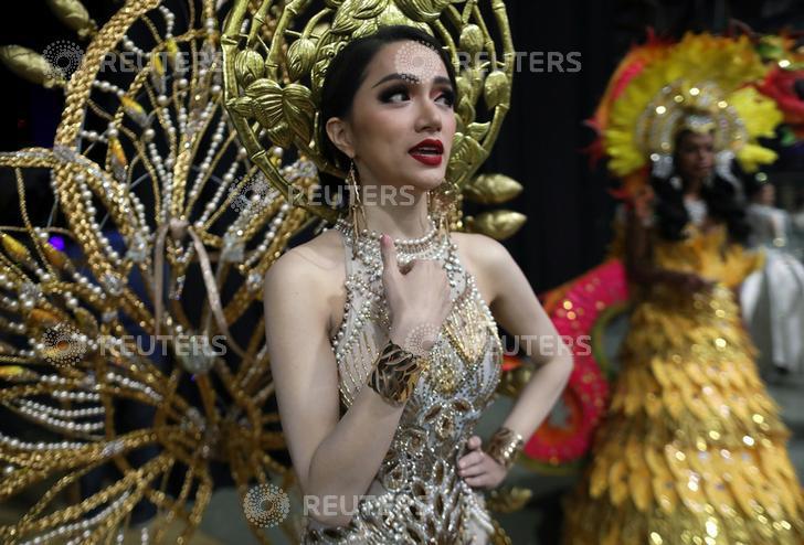 DailyMail, AFP cùng loạt tờ báo lớn nhất thế giới đưa tin Hương Giang đăng quang Hoa hậu Chuyển giới Quốc tế 2018 - Ảnh 7.