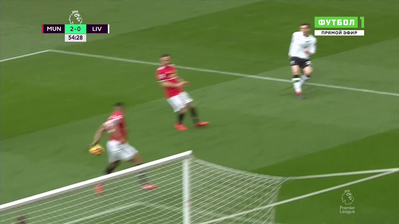 Man Utd được trọng tài giúp sức, thoát 3 quả phạt penalty? - Ảnh 3.