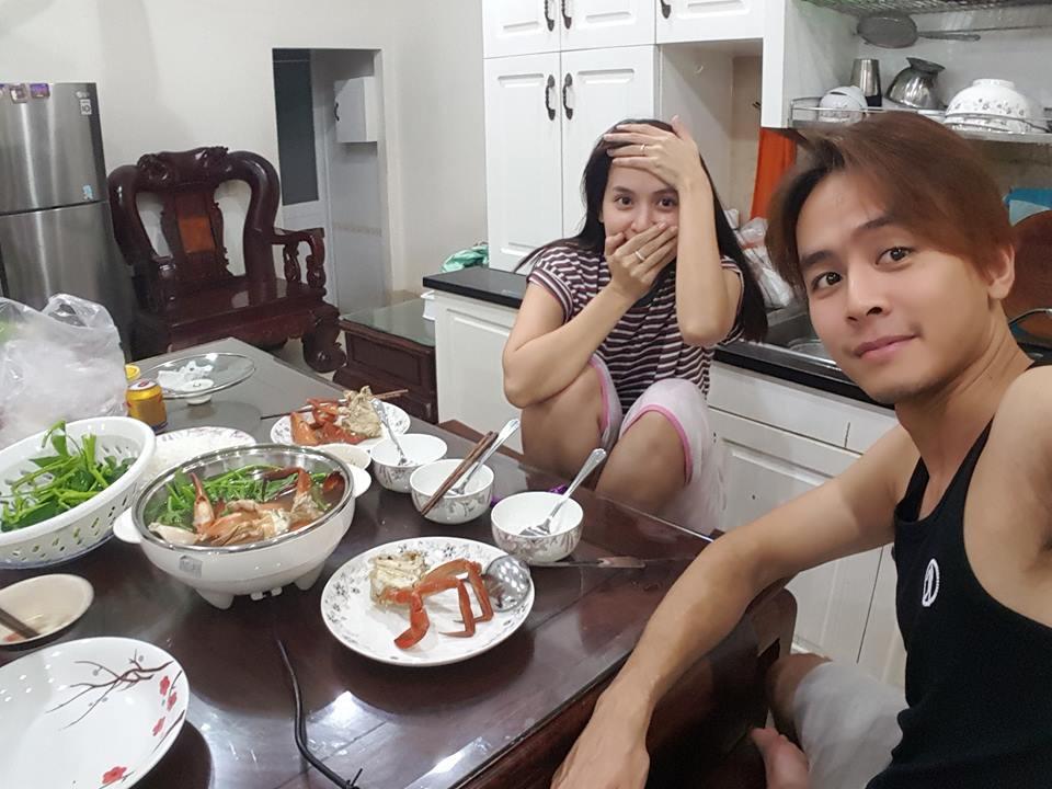 Bình thường khí chất ngời ngời mà khi ở bên đồ ăn sao Việt bỗng thần thái bá đạo lạ thường - Ảnh 19.