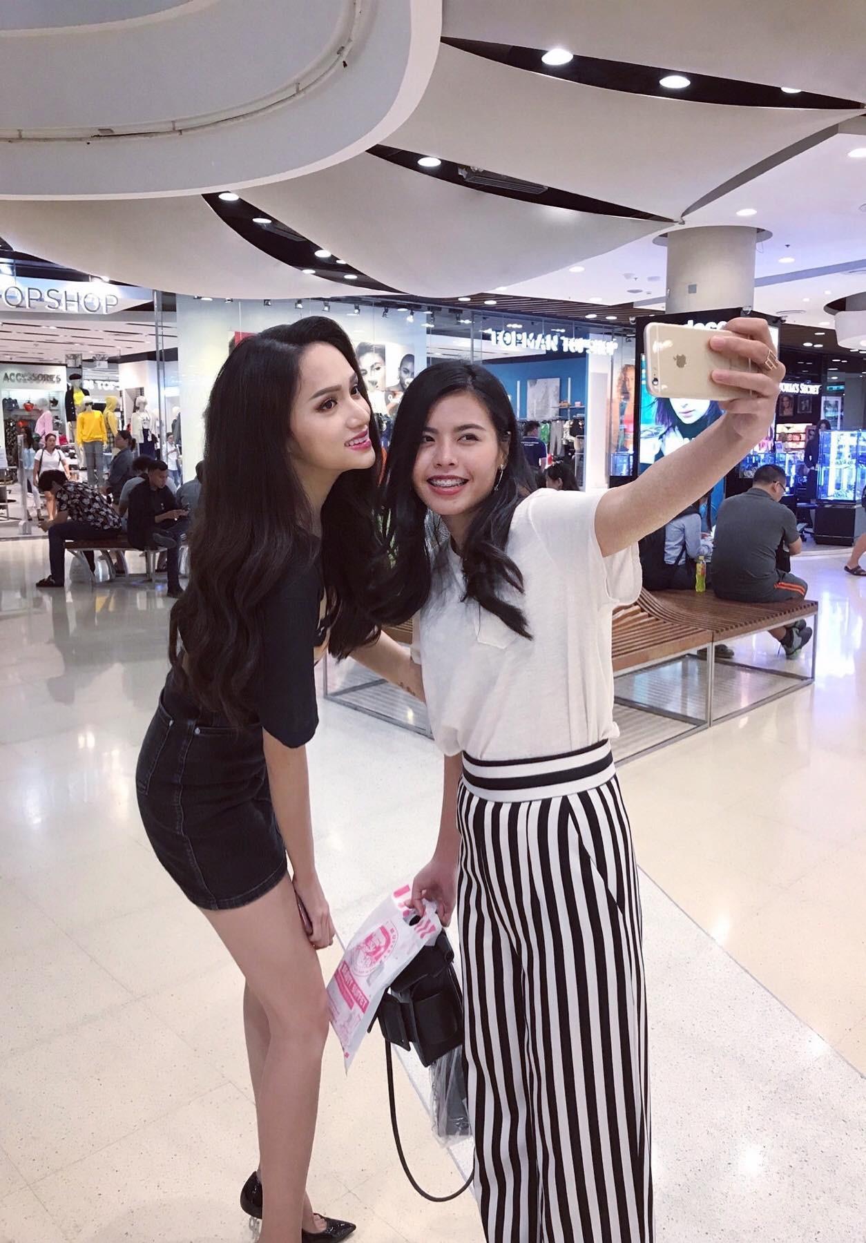 Giản dị đi shopping bằng phương tiện công cộng, Hương Giang được người hâm mộ quốc tế săn đón sau đăng quang - Ảnh 9.