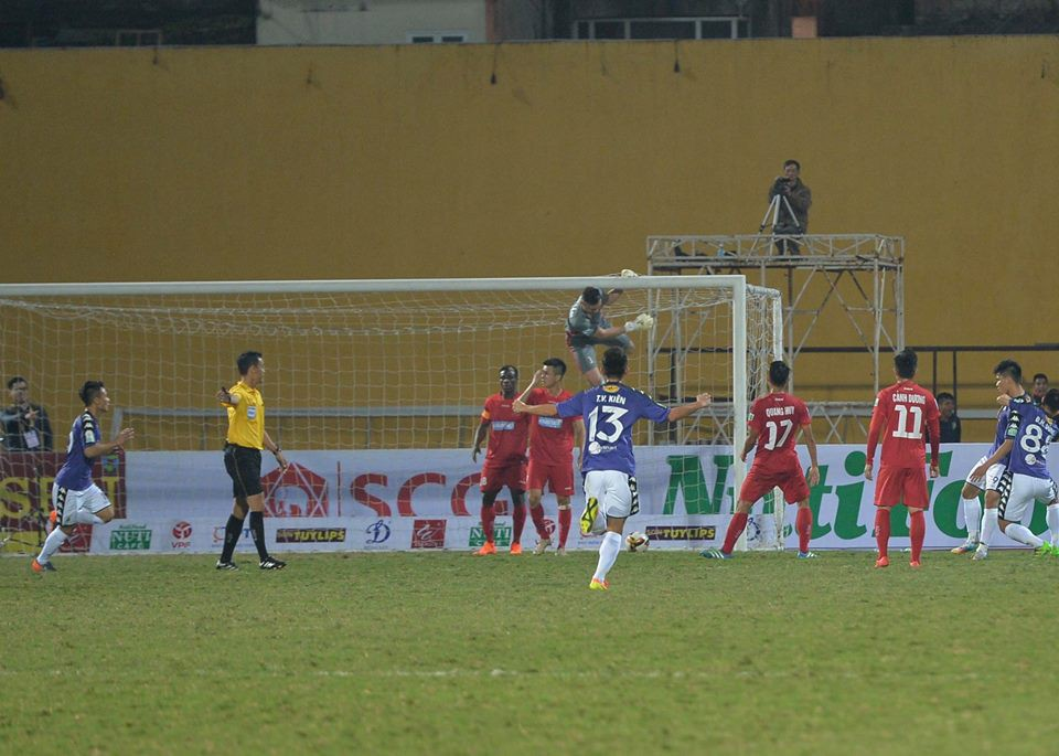 Dàn sao U23 Việt Nam chơi ấn tượng trong chiến thắng của Hà Nội FC - Ảnh 10.