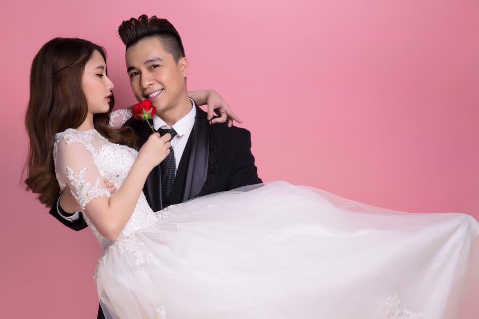 Hé lộ ảnh cưới ngọt ngào của Tiến Dũng (The Men) và bà xã 9X xinh đẹp - Ảnh 2.