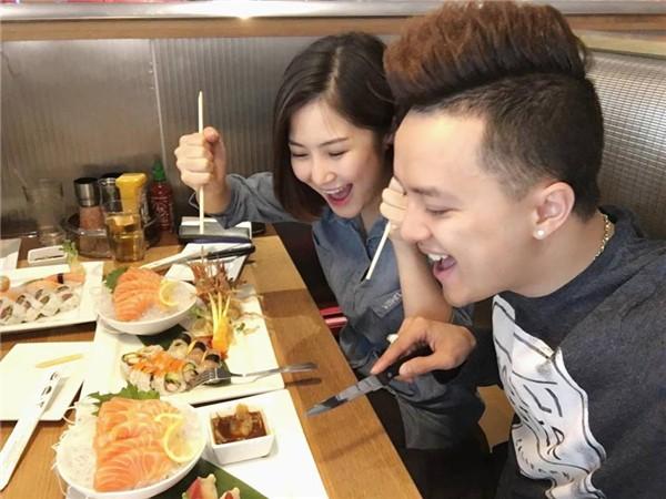 Bình thường khí chất ngời ngời mà khi ở bên đồ ăn sao Việt bỗng thần thái bá đạo lạ thường - Ảnh 15.