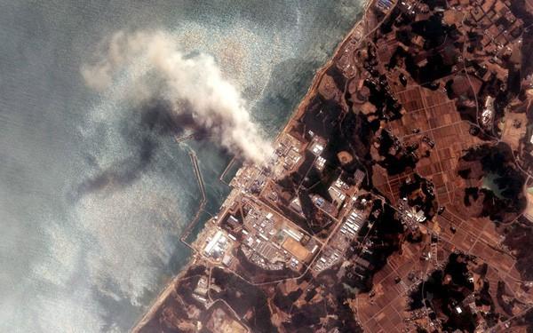 Những hình ảnh thảm họa động đất sóng thần năm 2011 khiến ai cũng thổn thức: Đến tận bây giờ, 2,500 người vẫn mất tích - Ảnh 5.