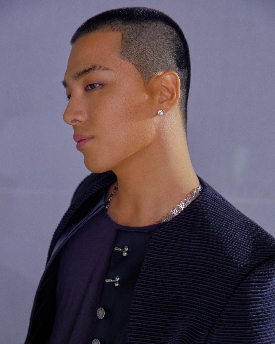 Cắt đầu đinh để đi nhập ngũ nhưng bạn có thấy, đây chính là kiểu tóc đẹp nhất của Tae Yang? - Ảnh 1.