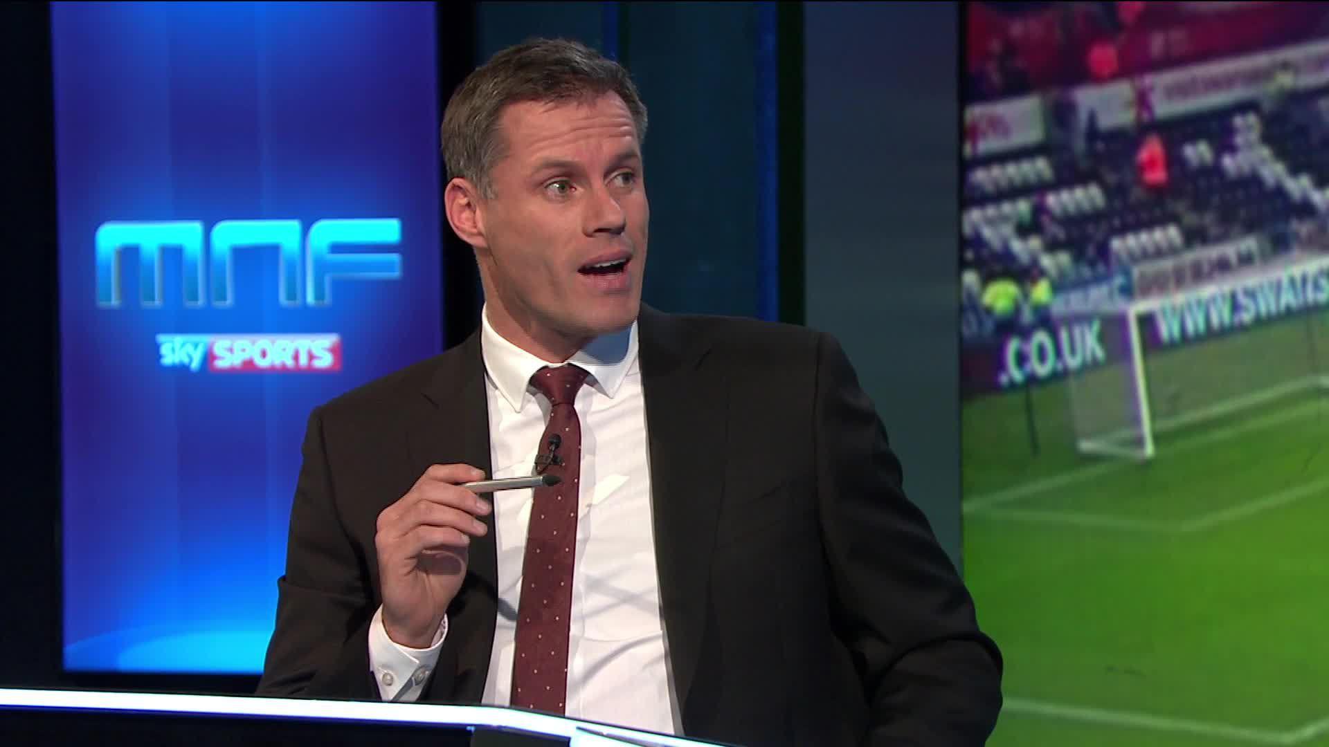 Huyền thoại Liverpool nhổ nước bọt vào mặt fan nữ 14 tuổi của Man Utd - Ảnh 4.