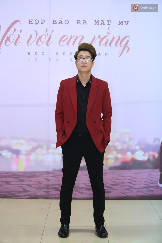 Bùi Anh Tuấn mời thảm họa âm nhạc Lệ Rơi xuất hiện trong MV ra mắt dịp Valentine trắng - Ảnh 1.