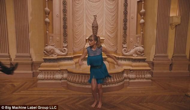 MV mới Delicate của Taylor Swift chỉ là hàng đạo nhái của tác phẩm này? - Ảnh 4.