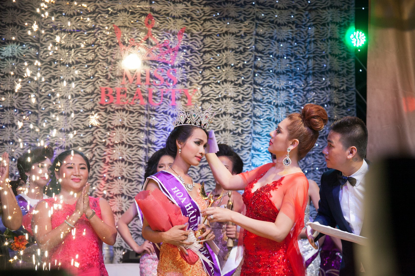 Hoa hậu chuyển giới Việt Nam đầu tiên sau hơn 2 năm đăng quang: Ai cũng nghĩ sau Miss Beauty thì đời mình lên mây - Ảnh 1.