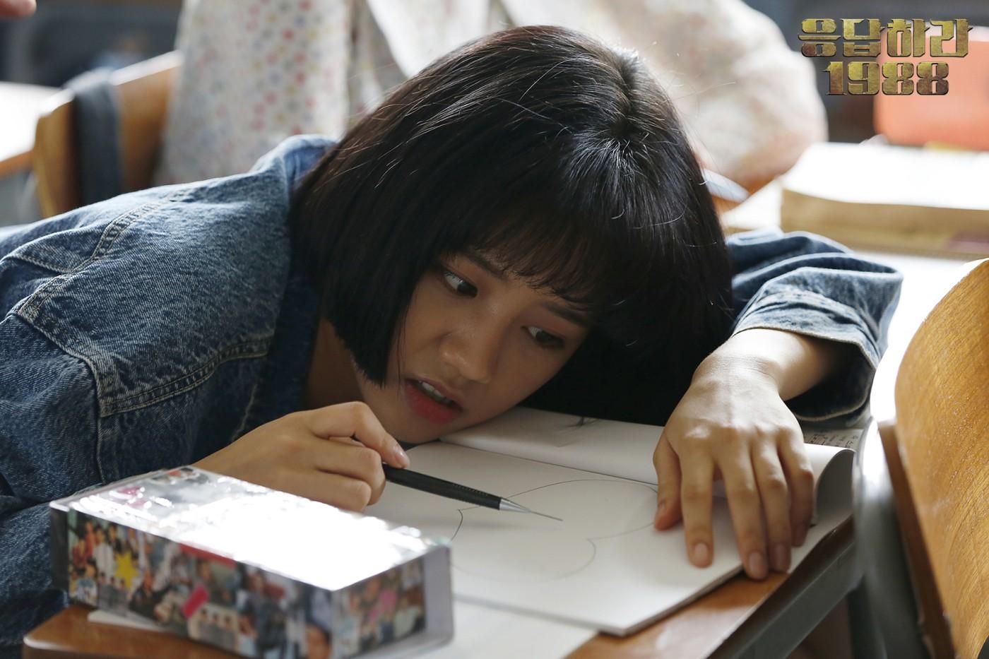Hội idol Kpop debut để hát nhưng nên... làm nghề khác thì hơn (P.2) - Ảnh 1.