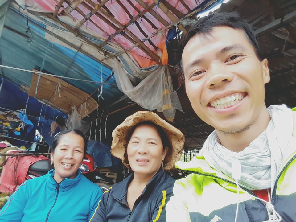 Chàng trai Phú Yên đi bộ xuyên Việt trong 113 ngày đêm chỉ với 100k và 1 cây đàn guitar - Ảnh 4.