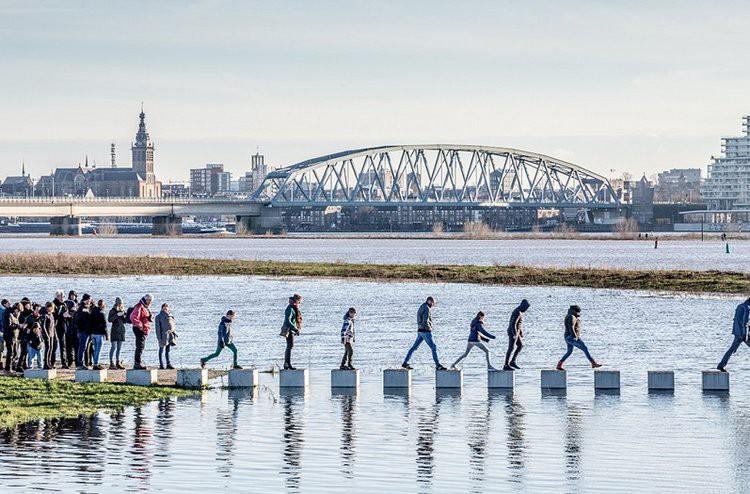 Cây cầu cực dị cực kỳ quái của Hà Lan: Cứ mưa là phải... ngập - Ảnh 6.