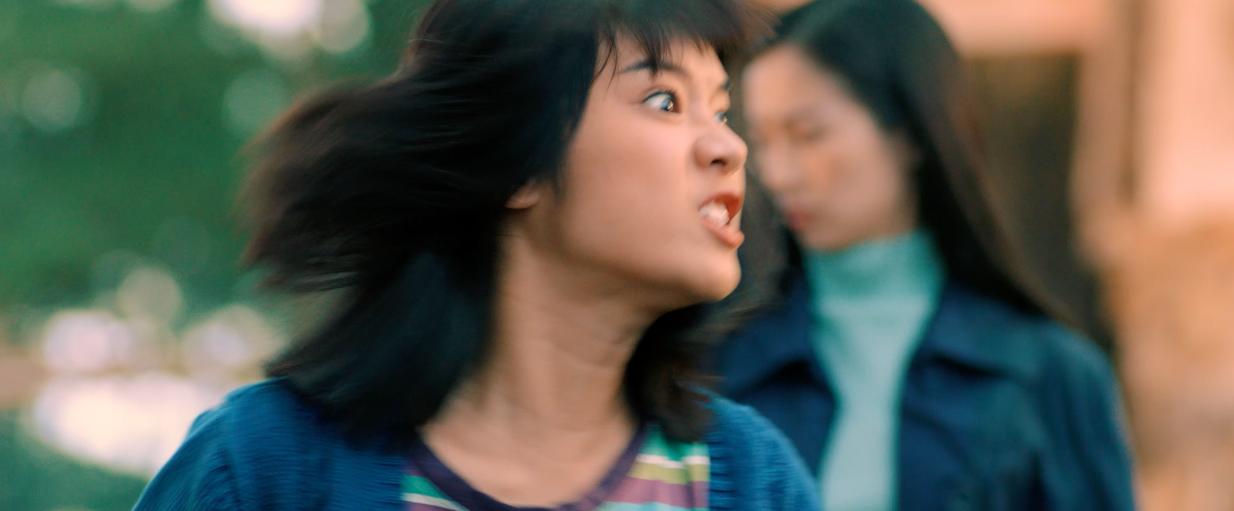Thu được 35 tỉ sau tuần đầu công chiếu, Tháng Năm Rực Rỡ tung clip Hoàng Yến Chibi lên đồng bắn ráp - Ảnh 4.