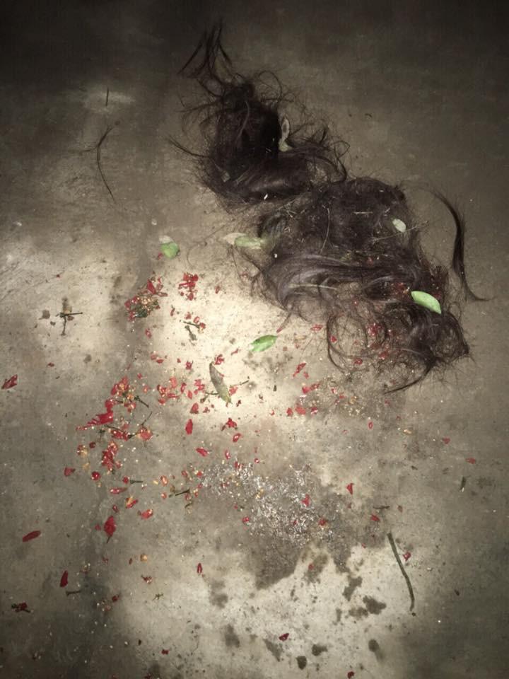 Van xin bồ nhí buông tha con trai không được, mẹ chồng ra tay cắt tóc, xát ớt vào vùng của kín nhân tình giúp con dâu - Ảnh 2.