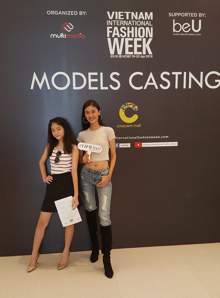 Mẫu 13 tuổi catwalk ấn tượng gây sốt, xuất hiện thí sinh giống Hoàng Thùy tại buổi casting VIFW Xuân/Hè 2018 - Ảnh 3.