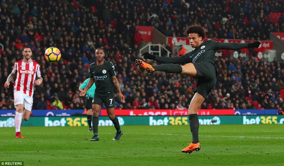 David Silva lập cú đúp, Man City hơn Man Utd tới 16 điểm - Ảnh 11.