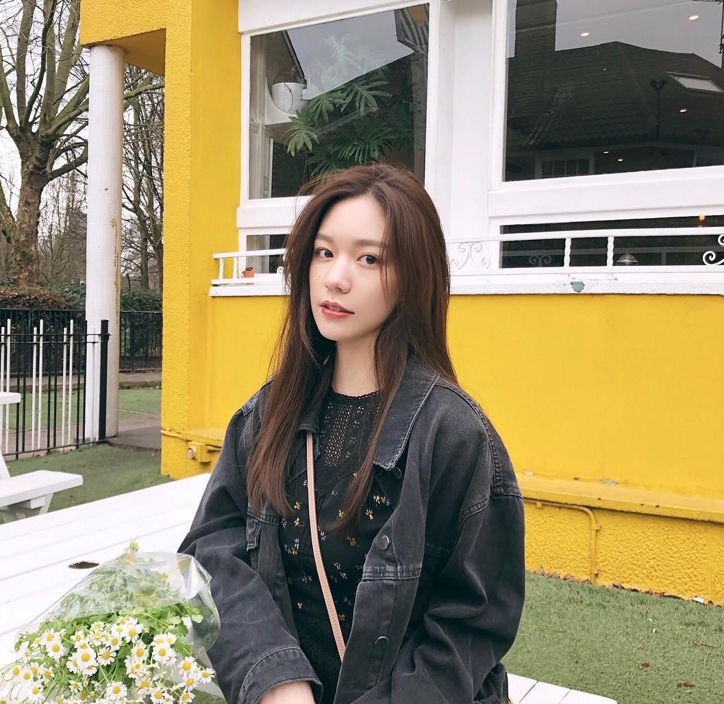 Ái nữ 18 tuổi xinh đẹp, cao 1m74 của ông trùm xe sang nổi tiếng Trung Quốc - Ảnh 3.
