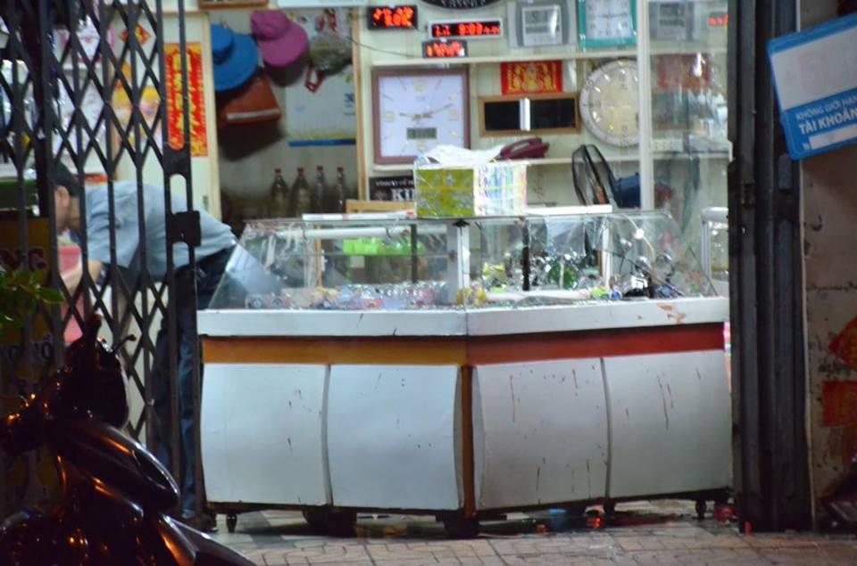 Đối tượng đâm nữ chủ tiệm đồng hồ ở Sài Gòn có biểu hiện tâm thần - Ảnh 1.