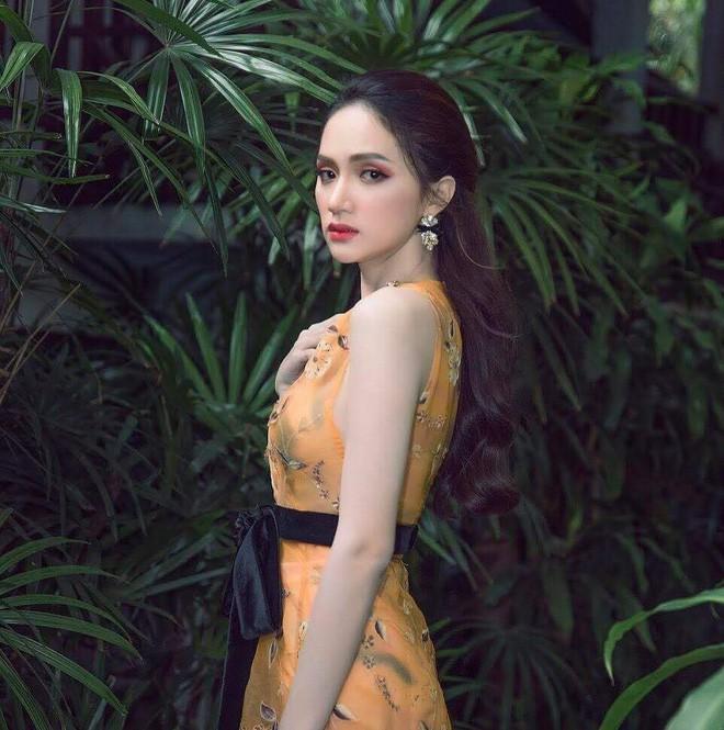 Một chiếc váy hai số phận, không tin bạn cứ nhìn hai người đẹp tên Hương Giang này là thấy ngay - Ảnh 3.