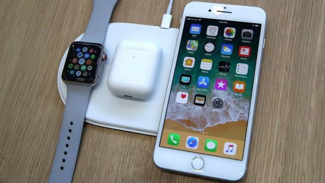 Chuyên gia công nghệ cho biết tính năng sạc không dây mới của iPhone đã khiến pin chai nhanh hơn bình thường - Ảnh 3.