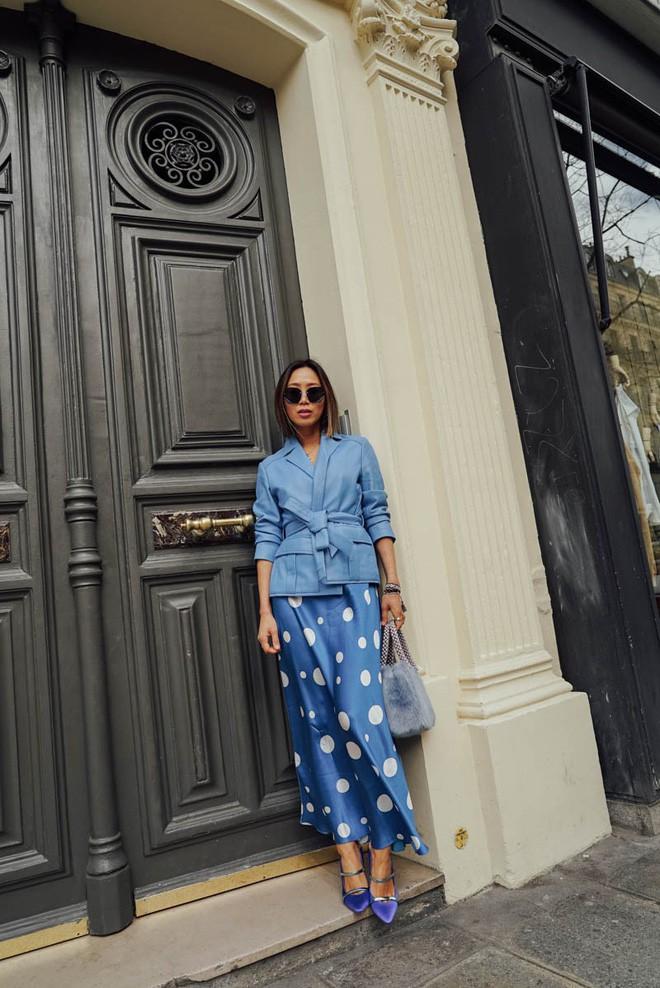 Tranh thủ trời mát mẻ, các quý cô Châu Á đồng loạt diện blazer xuống phố trong street style tuần này - Ảnh 8.