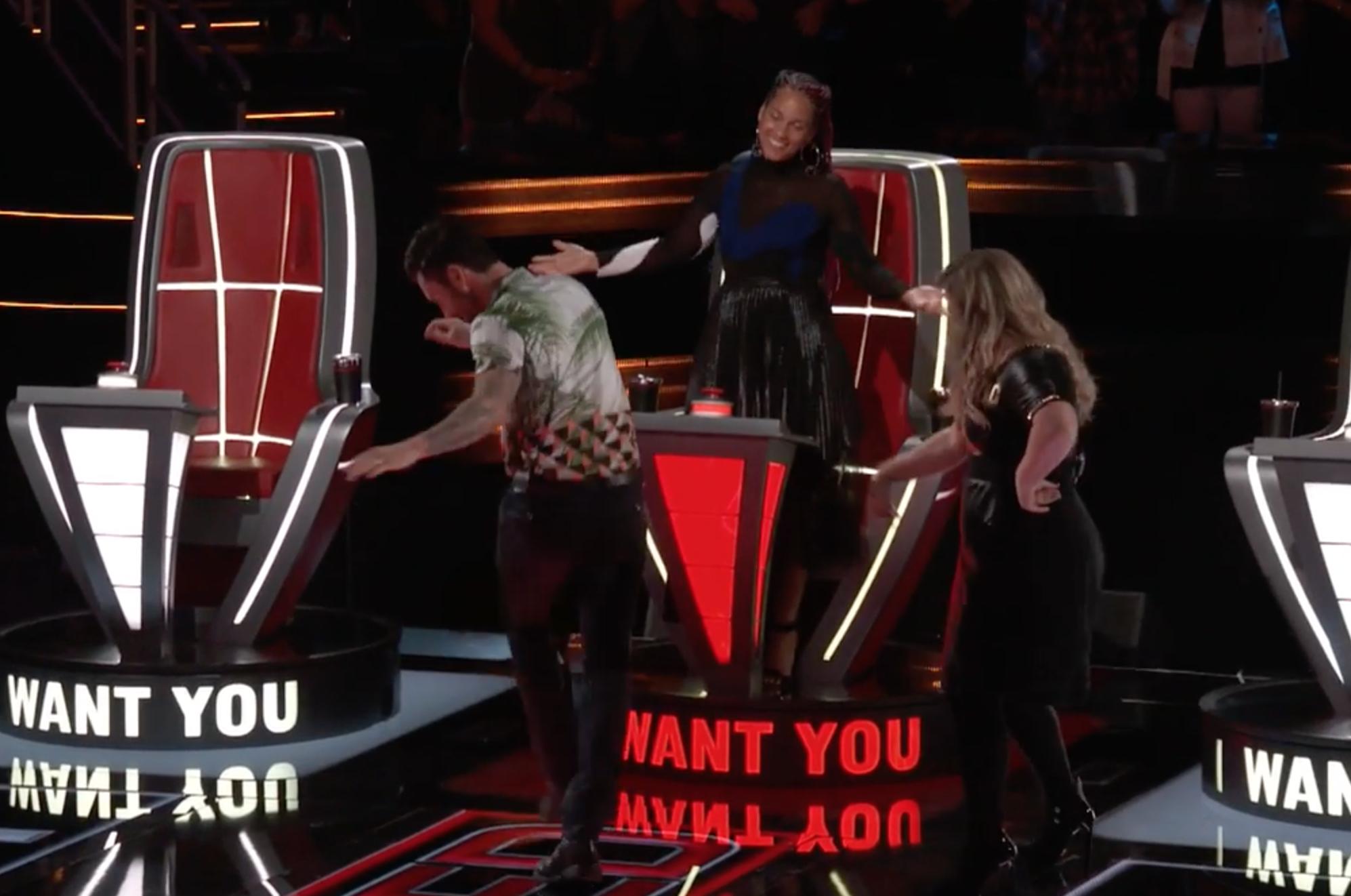 Kelly Clarkson là Huấn luyện viên dùng nút chặn oách nhất The Voice Mỹ! - Ảnh 3.