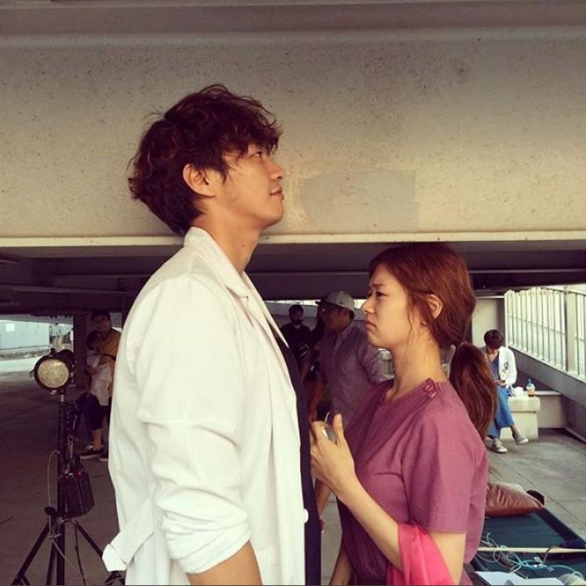 Tuyển tập khoảnh khắc diễn viên Hàn bị bạn diễn tàn nhẫn sỉ nhục chiều cao - Ảnh 5.