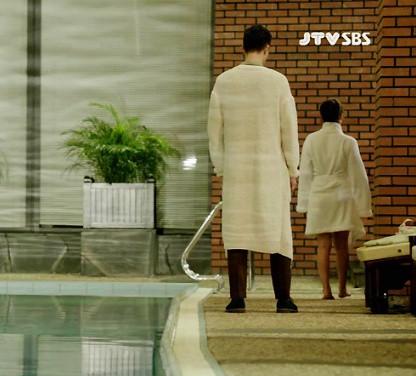 Tuyển tập khoảnh khắc diễn viên Hàn bị bạn diễn tàn nhẫn sỉ nhục chiều cao - Ảnh 15.