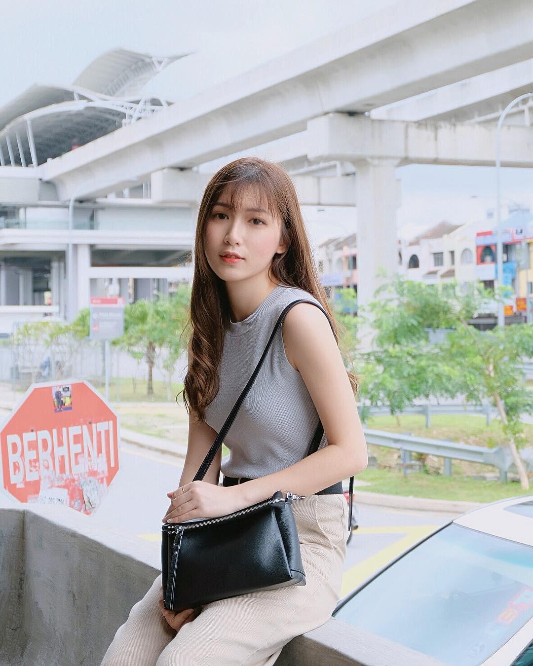 Nhan sắc trong veo như tình đầu của cô bạn đến từ Malaysia - Ảnh 1.