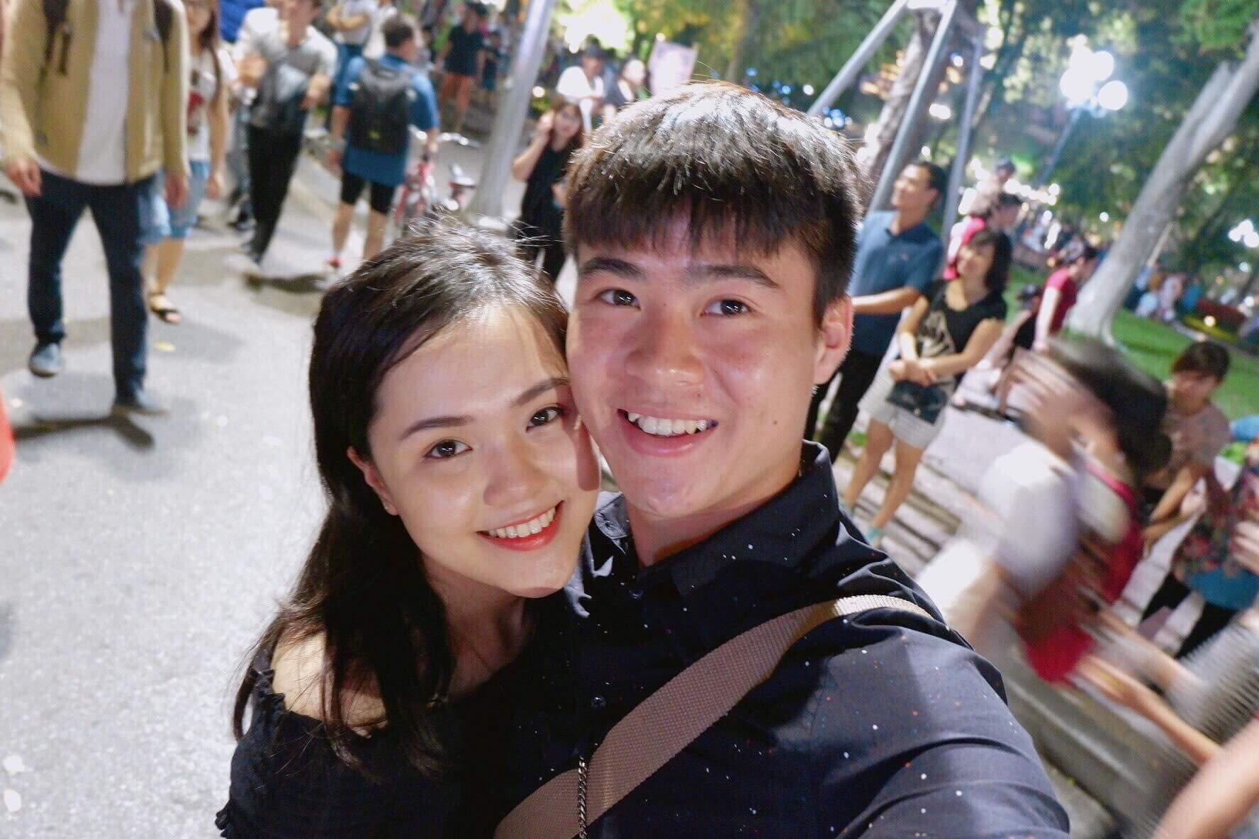 """Gặp cô bạn gái xinh xắn, """"lầy lội"""" của Duy Mạnh U23: Sáng tác cả truyện chế, ship người yêu với Đình Trọng, Tiến Dũng - Ảnh 1."""