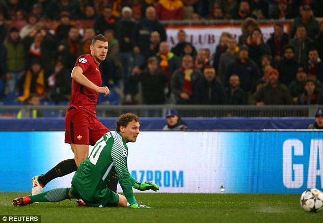 Cựu sao Man City tỏa sáng đưa Roma vào tứ kết Champions League - Ảnh 6.