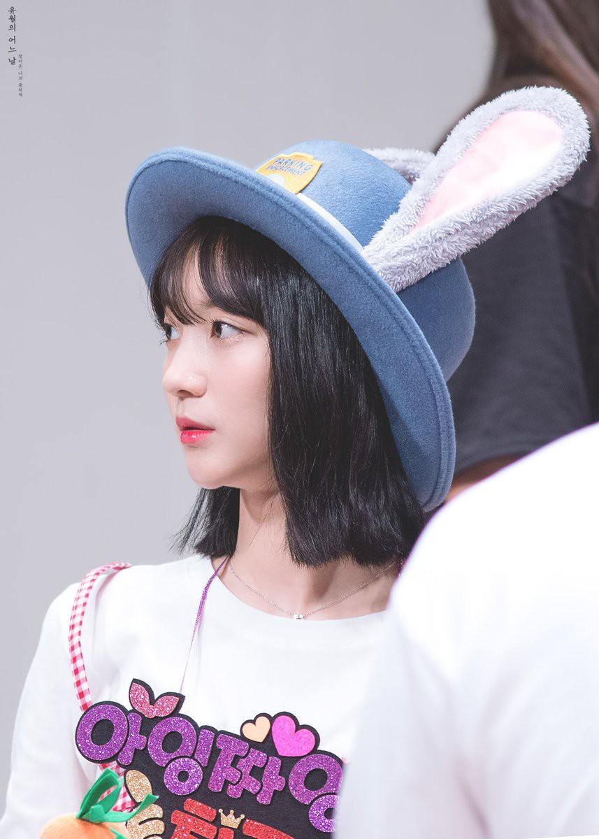 Chiếc mũ hơn chục idol cùng đội: Suzy xinh như thỏ, Irene lại giống nhân vật truyện tranh