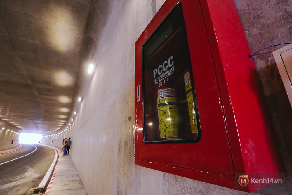 Hệ thống PCCC cũng đã lắp đặt hoàn chỉnh bên tường để đề phòng sự cố.