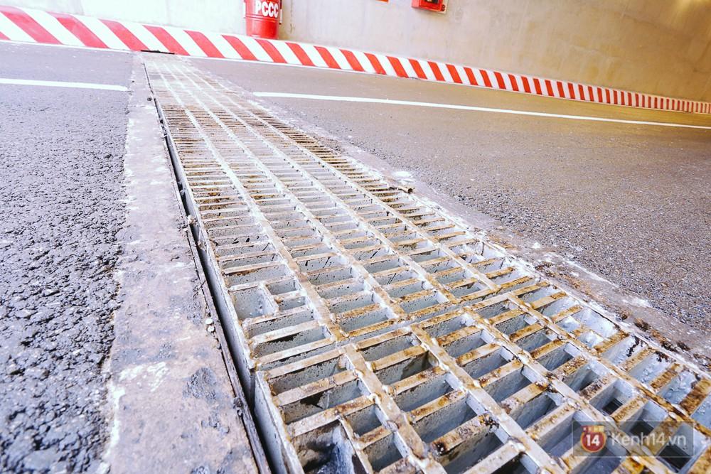 Hệ thống thoát nước ngày cửa hầm