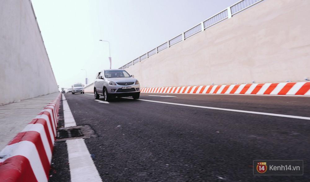 Theo ghi nhận, sau khi thông xe phương tiện chủ yếu vào hầm là ô tô con.