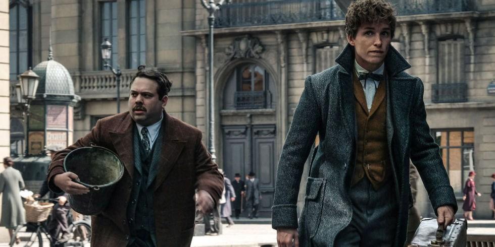 """Hiệu trưởng Dumbledore Jude Law cực bảnh thả thính tung tóe ngay trailer """"Fantastic Beasts 2"""" - Ảnh 5."""
