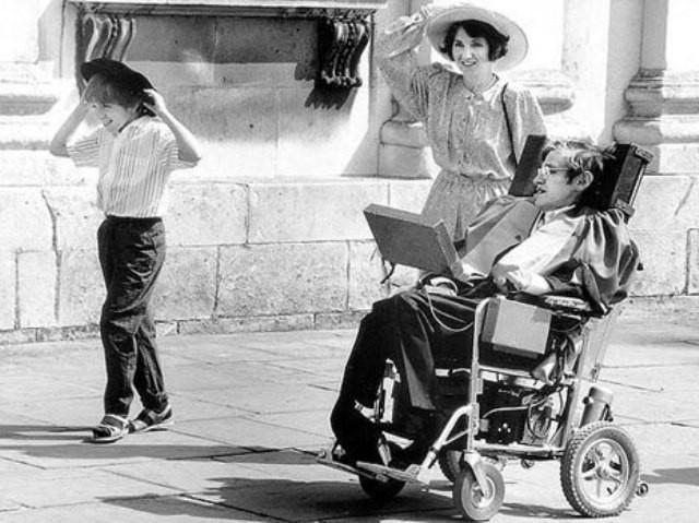 Chuyện tình tan hợp - hợp tan giữa Stephen Hawking và người vợ Jane Wilde: Tình yêu vĩ đại đem đến phép nhiệm màu, dù 11 năm xa cách vẫn quay về với nhau - Ảnh 5.
