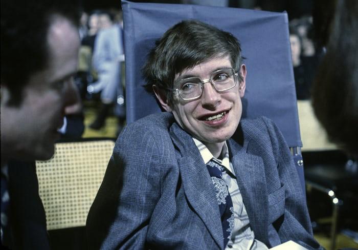 Nhìn lại cuộc đời của huyền thoại Stephen Hawking: Ngôi sao sáng trên bầu trời khoa học thế giới đã vụt tắt - Ảnh 3.