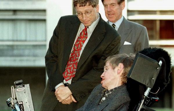 Vì sao cả Stephen Hawking và Bill Gates đều sợ robot và trí tuệ nhân tạo, chỉ muốn dừng phát triển nó? - Ảnh 1.