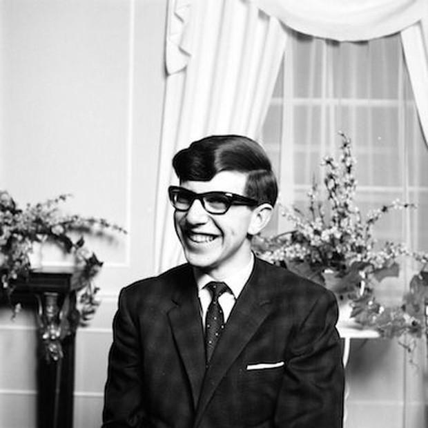 Cuộc đời vĩ đại của thiên tài Stephen Hawking: Dù phải vật lộn với căn bệnh nan y, ông đã để lại cho nhân loại cả kho tàng tri thức - Ảnh 2.