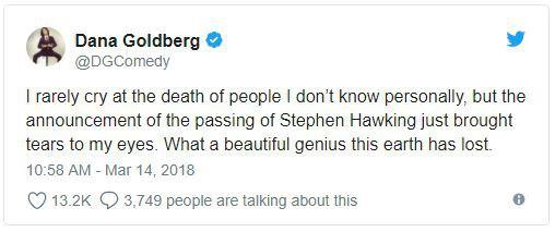 Giới khoa học cùng rất nhiều người nổi tiếng bày tỏ nỗi niềm tiếc nuối trước sự ra đi của nhà vật lý đại tài Stephen Hawking - Ảnh 8.