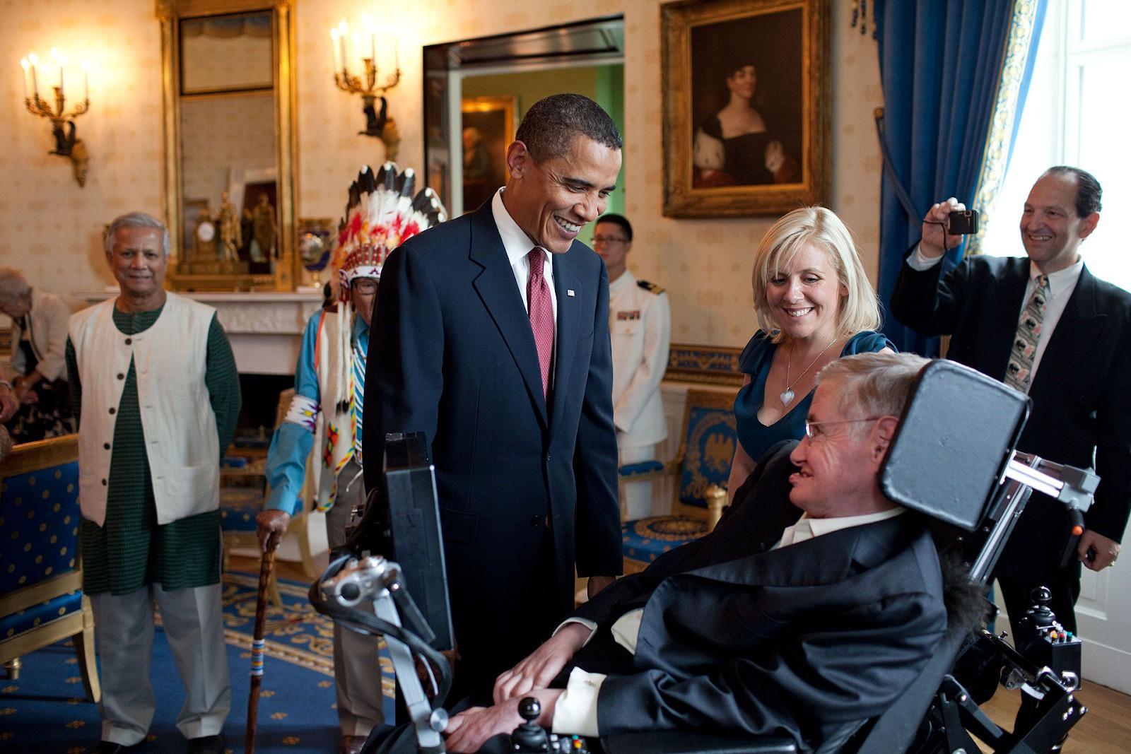 Cuộc đời vĩ đại của thiên tài Stephen Hawking: Dù phải vật lộn với căn bệnh nan y, ông đã để lại cho nhân loại cả kho tàng tri thức - Ảnh 8.