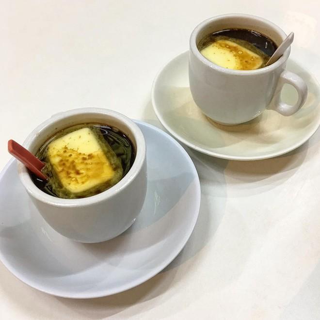 Vòng quanh thế giới đi tìm những món cafe độc đáo nhất: Cafe pha với than hồng, pho mát - Ảnh 10.