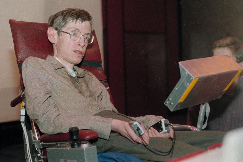 Vì sao Stephen Hawking - nhà khoa học đang khiến cả thế giới khóc thương lại được tôn vinh là thiên tài? - Ảnh 2.