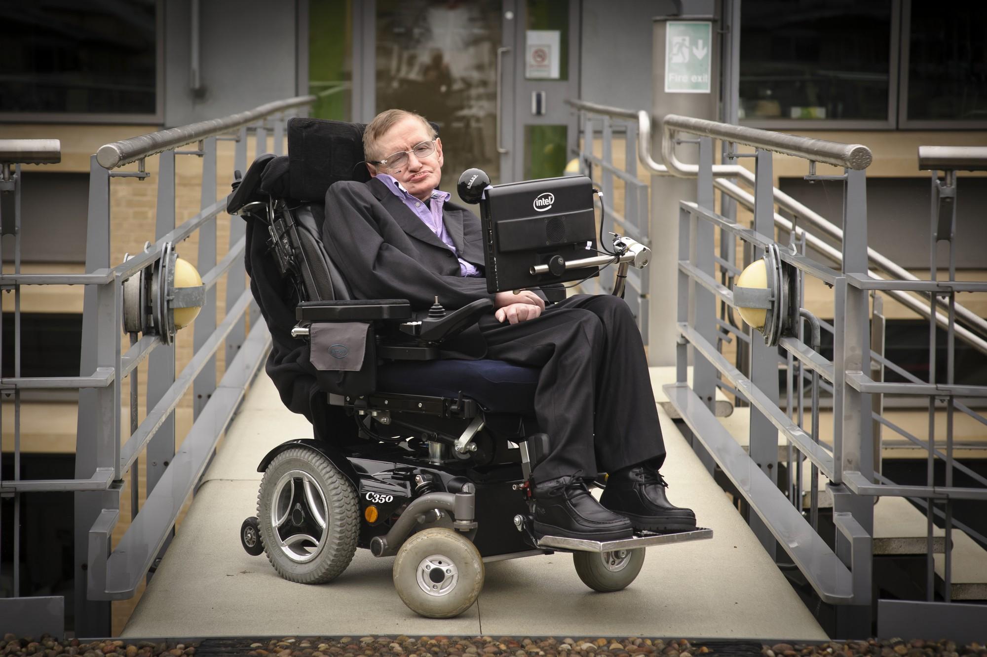 Những câu chuyện phi thường trên con đường học vấn của vị giáo sư vĩ đại Stephen Hawking - Ảnh 2.